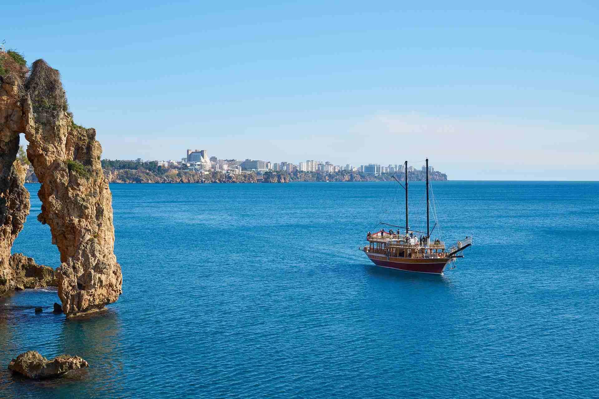 Boot vor der Küste von Antalya