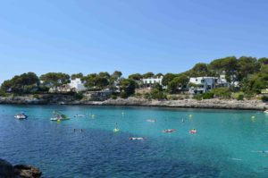 Badebucht in Cala dOr auf Mallorca