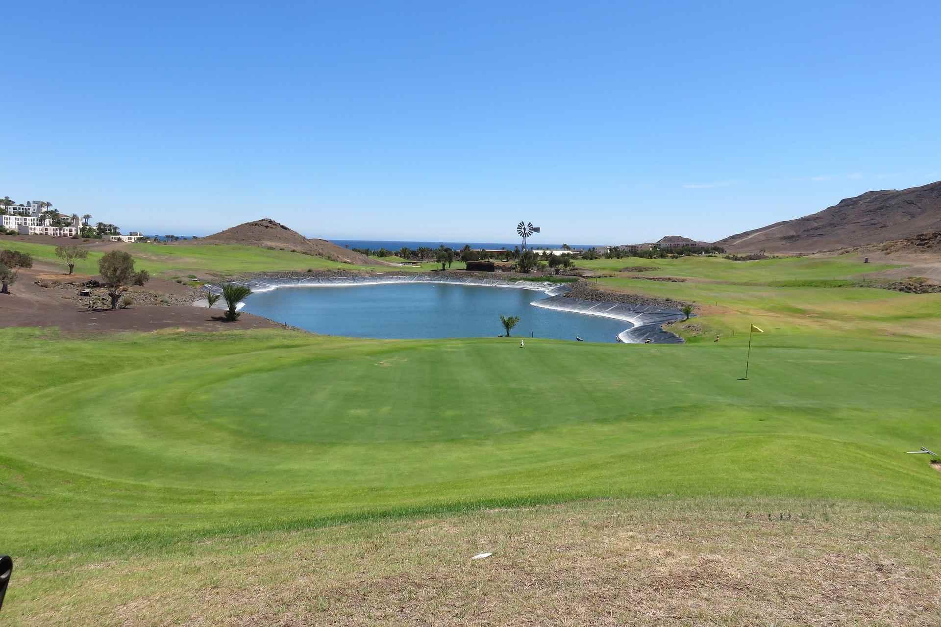 Grün auf dem Golfplatz Las Playitas auf Fuerteventura