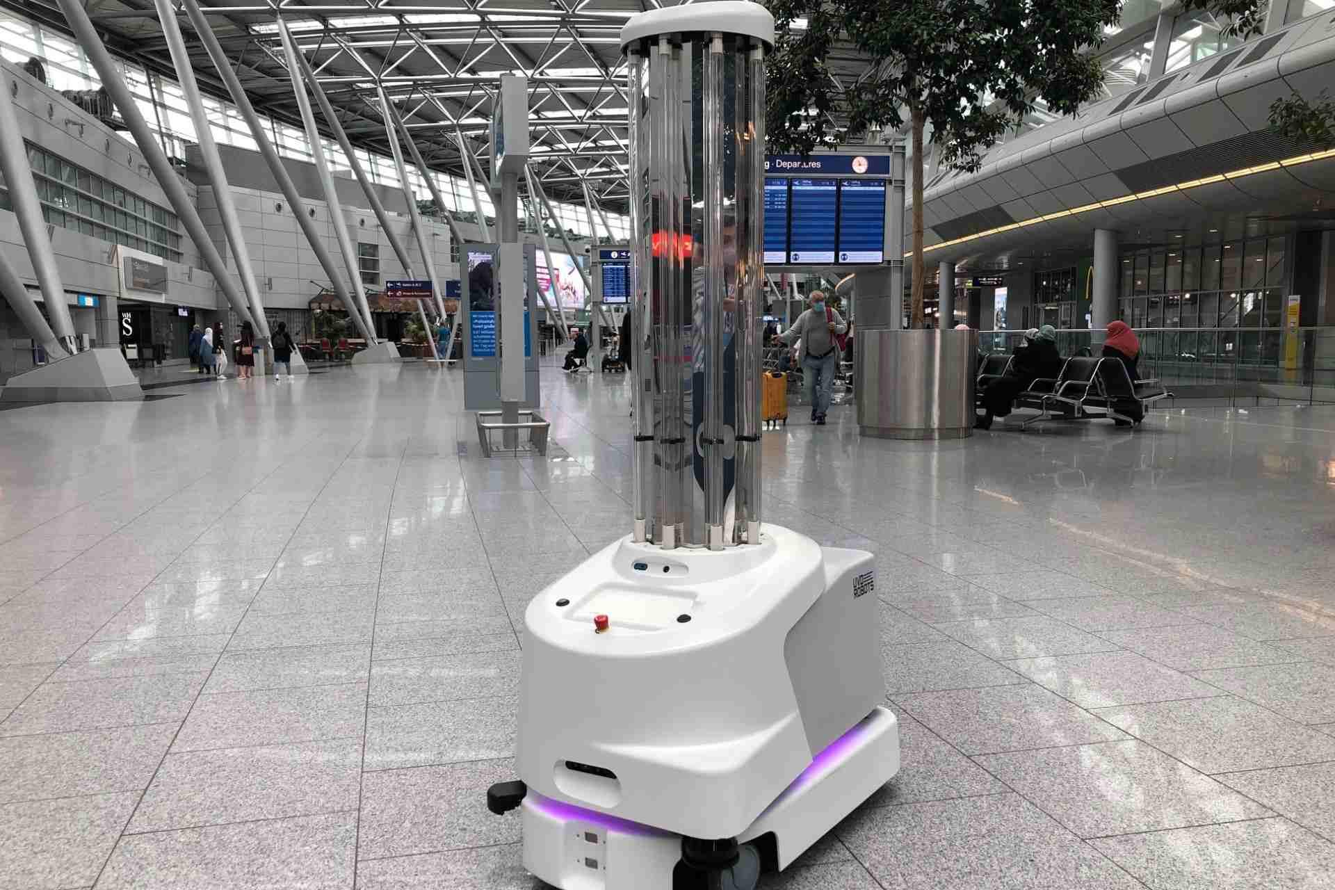 Desinfektionsroboter am Flughafen Düsseldorf