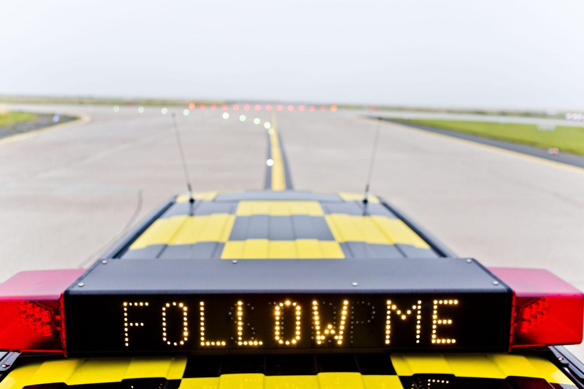 Flughafen Bremen Follow Me