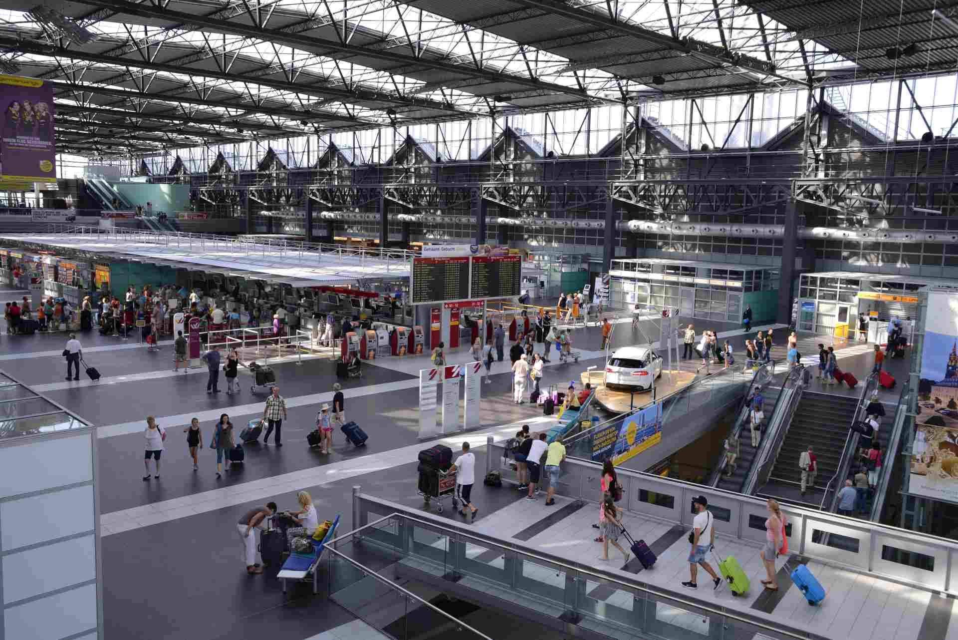 Flughafen Dresden Terminal Innenansicht