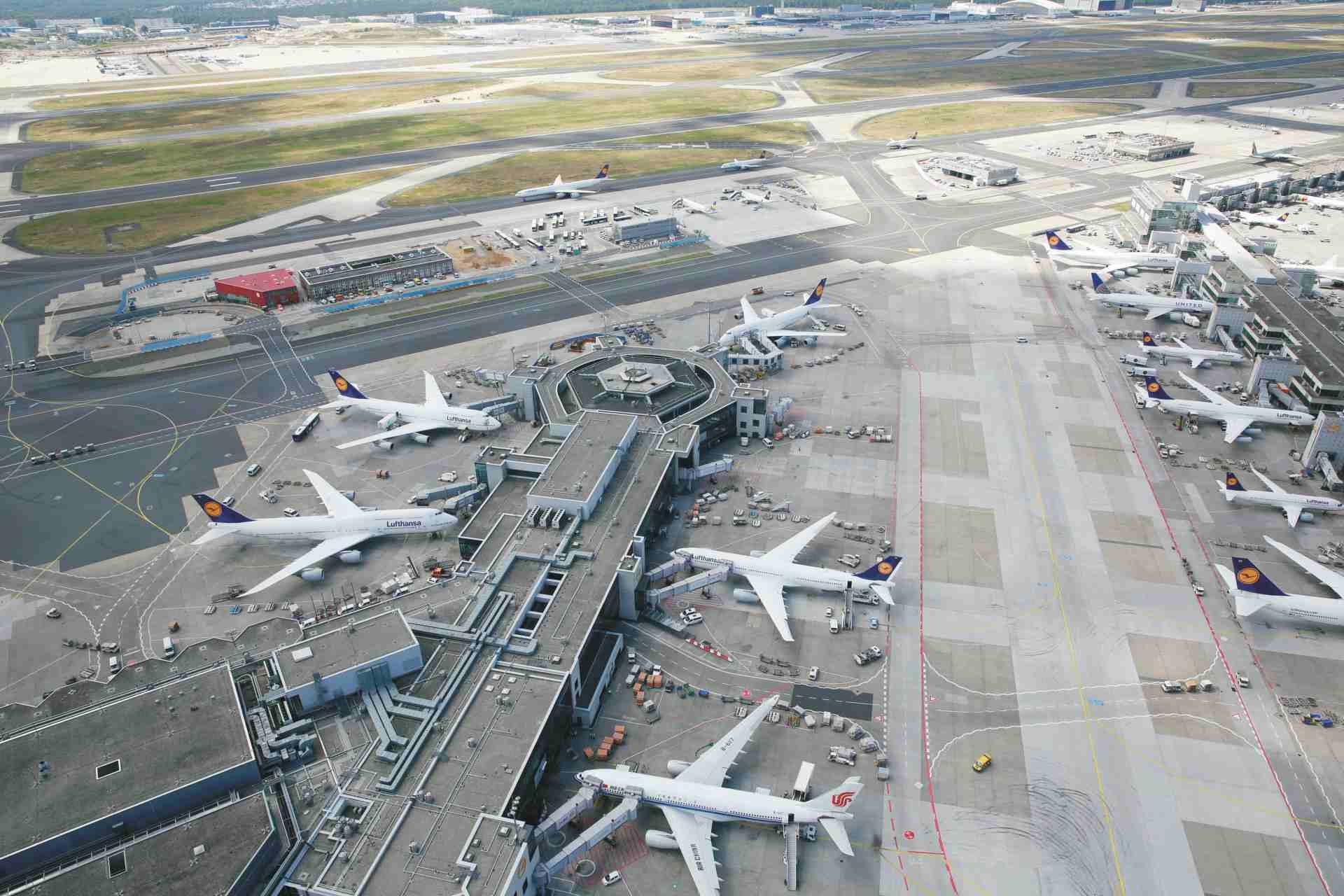 Flughafen Frankfurt A und B Finger aus der Vogelperspektive