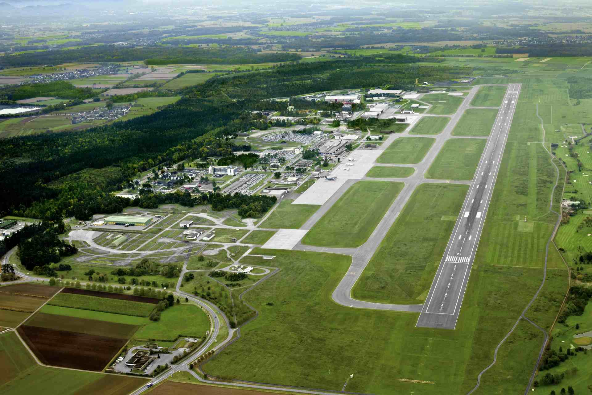 Flughafen Karlsruhe aus der Vogelperspektive