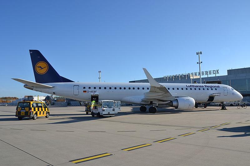 Flughafen Münster Lufthansa Flugzeug auf dem Vorfeld