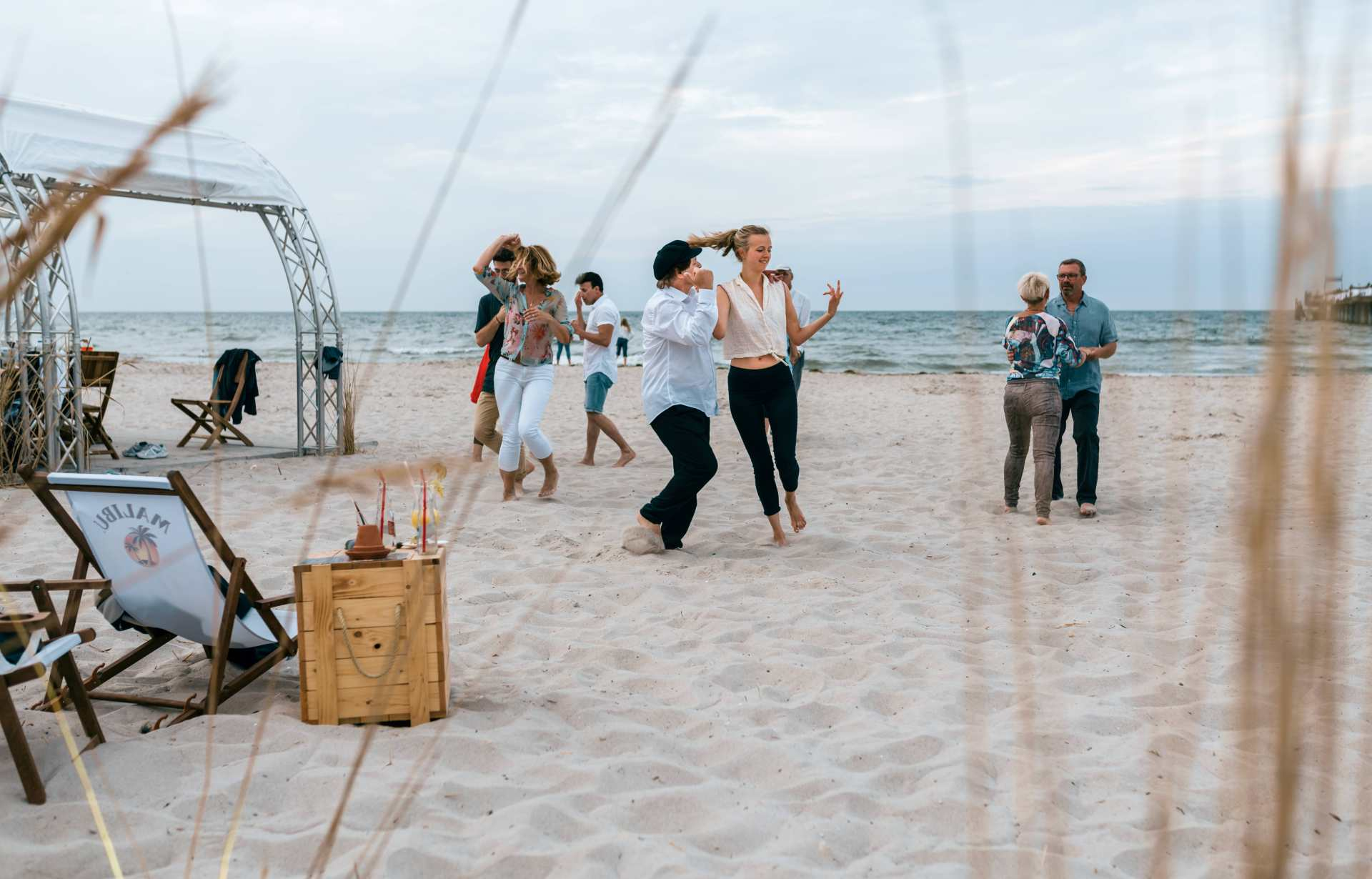 Samba tanzen am Strand der Ostsee Lounge Boltenhagen