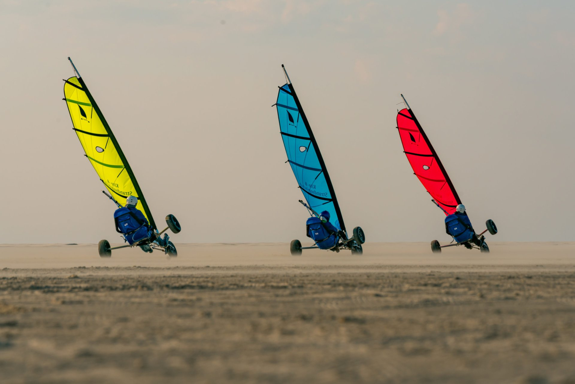 Strandsegler auf Borkum im Wettrennen