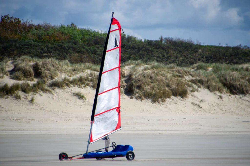 Strandsegler ohne Pilot am Strand von Borkum