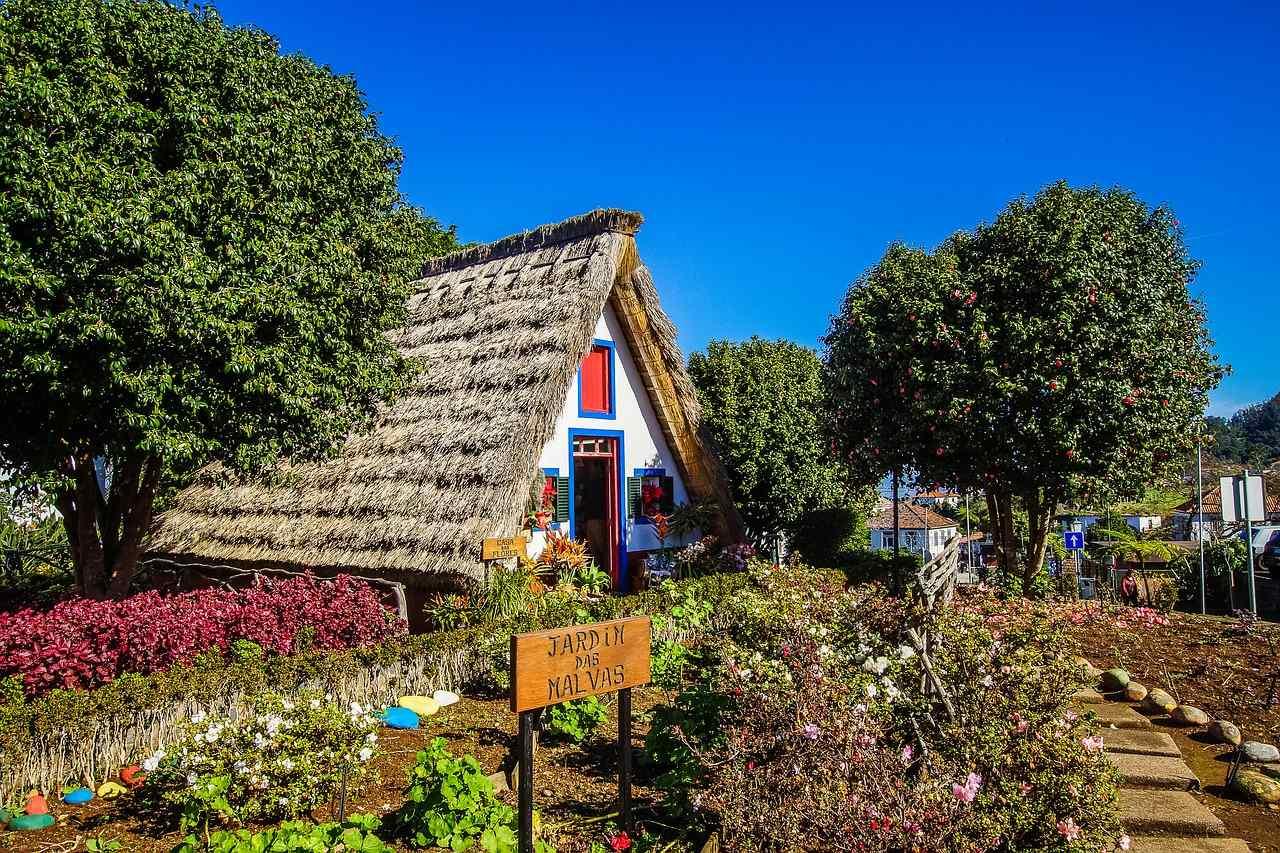 Strohgedecktes Haus in Santana auf Madeira