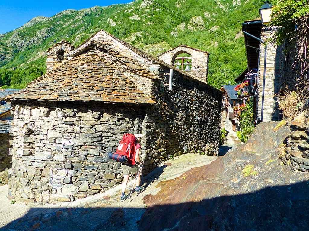 Kleines katalanisches Bergdorf bei Tavascan