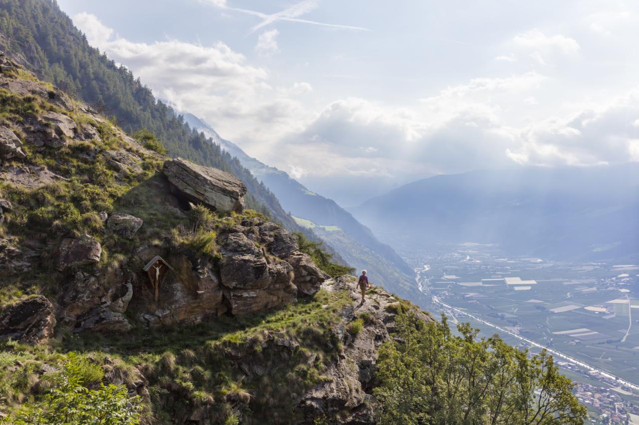 Wanderer auf dem Vinschgauer Höhenweg