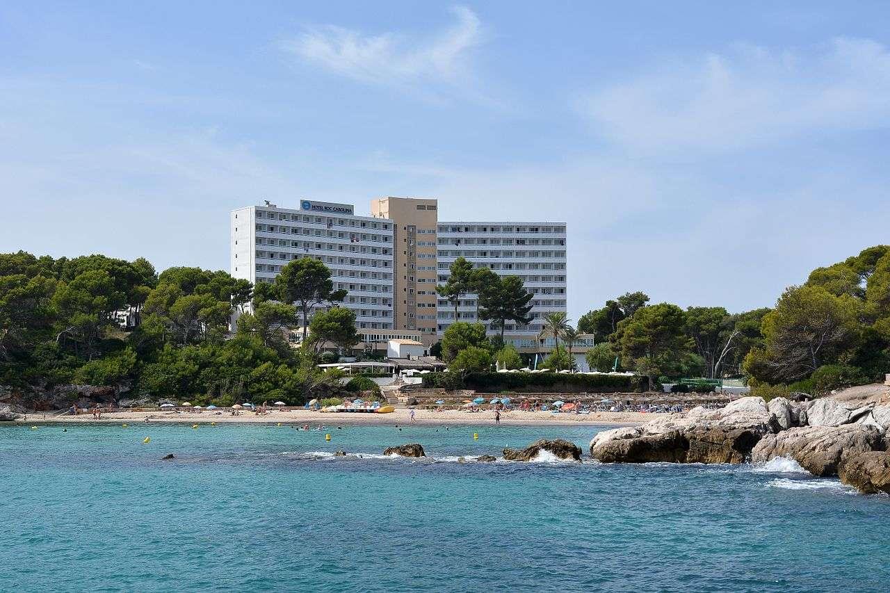 Bucht und Hotelanlage in Font de Sa Cala