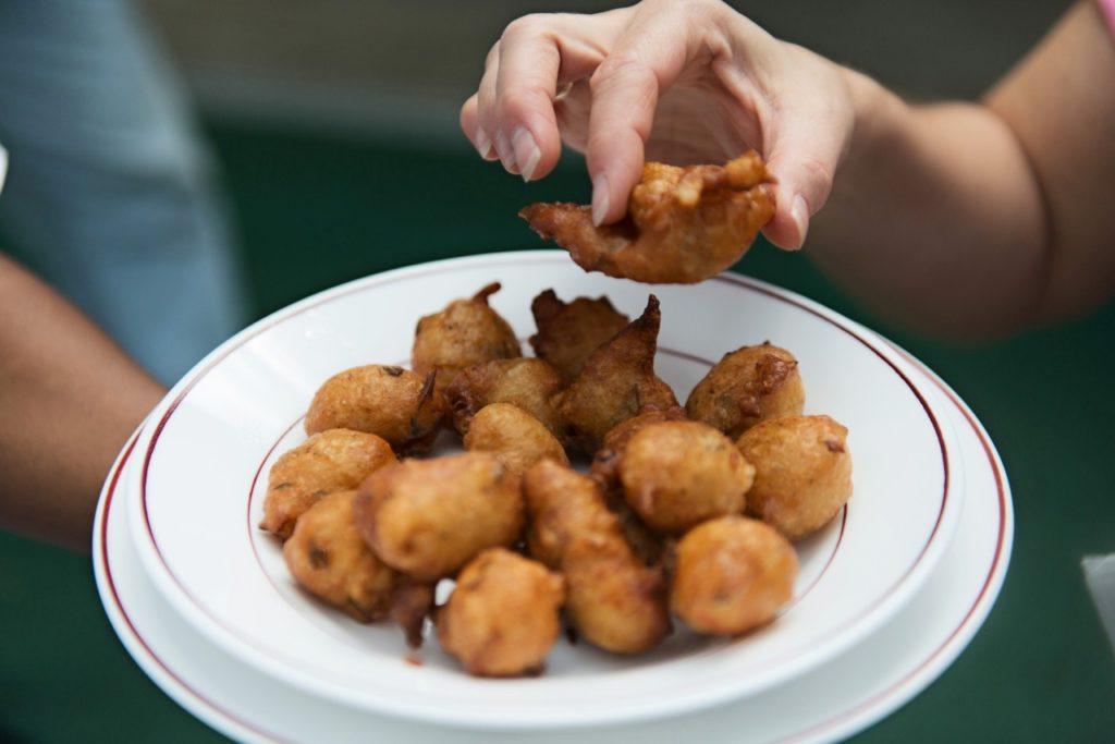 Frittierte Acra-Bällchen aus Martinique