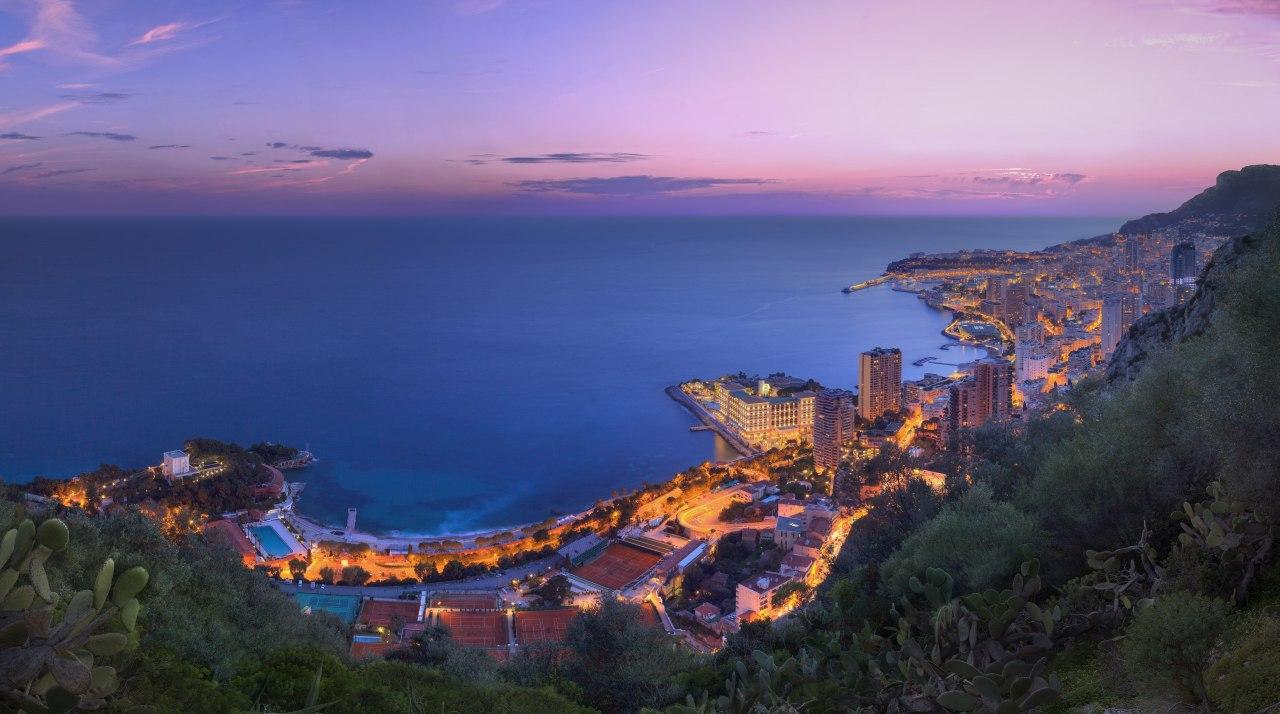 Skyline von Monaco im Abendlicht