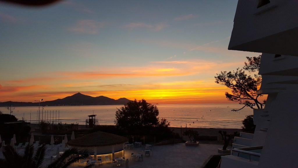 Sonnenaufgang über der Bucht von Alcudia