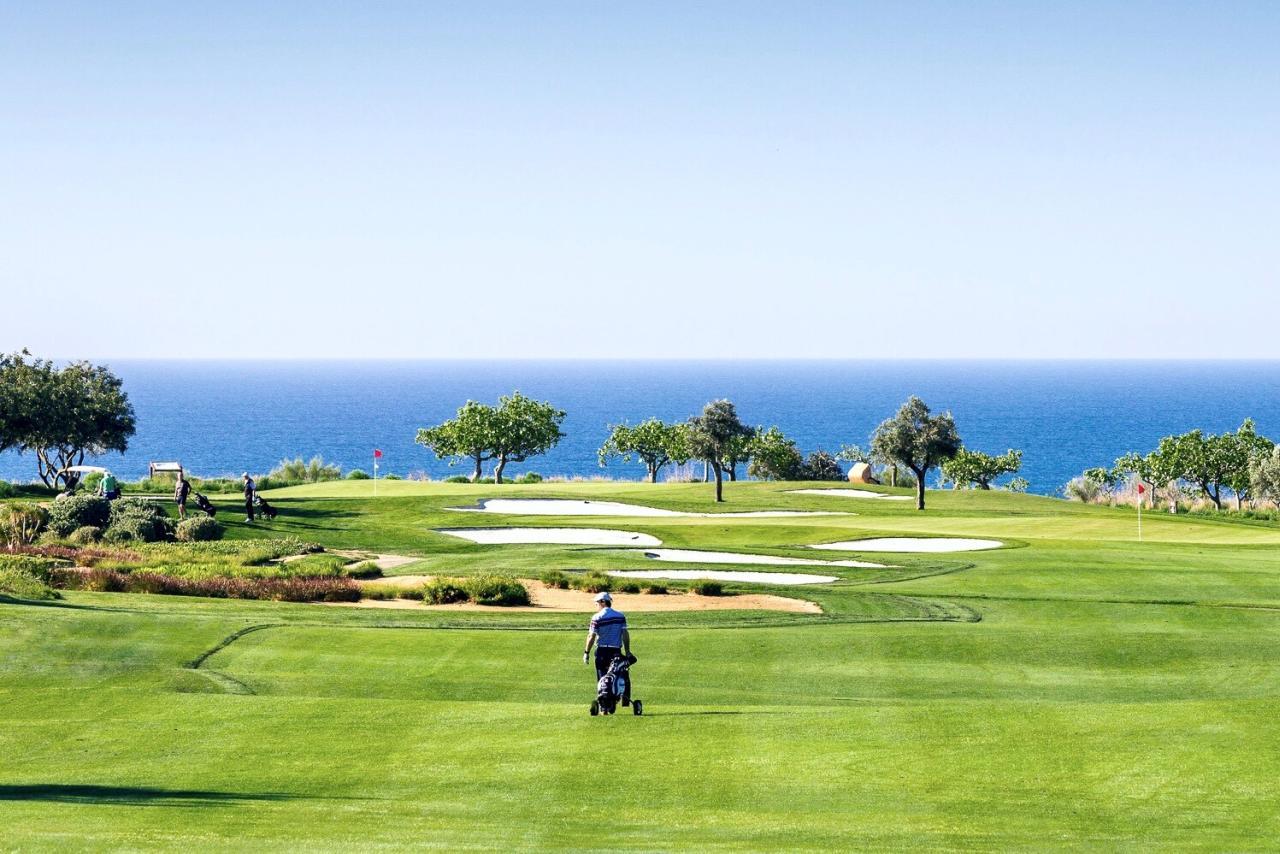 Algarve - Die Golfschläger gehen auf uns