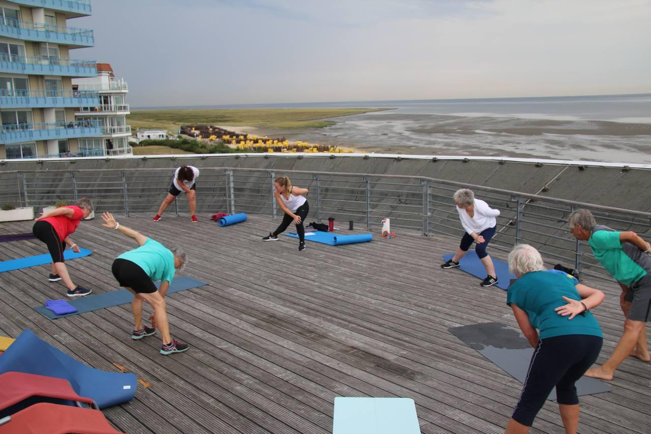Outdoor Fitnesskurs im Cuxhavener Thalassozentrum