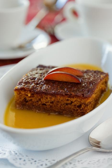 Malva Pudding mit Aprikosenmarmelade