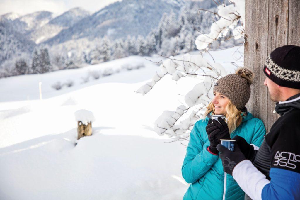 Teepause beim Winterwandern
