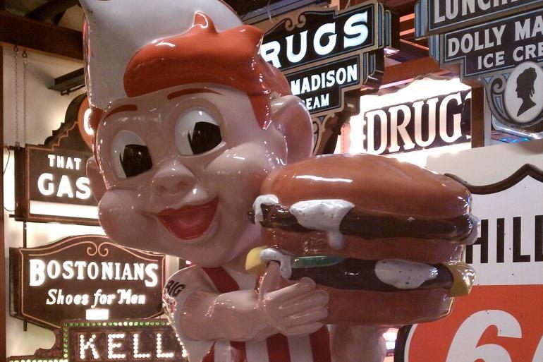 Burger Präsentation im American Sign Museum