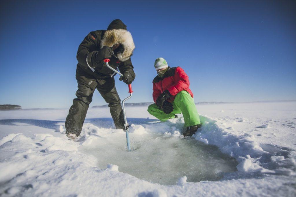 Eisfischer auf dem Lake Superior