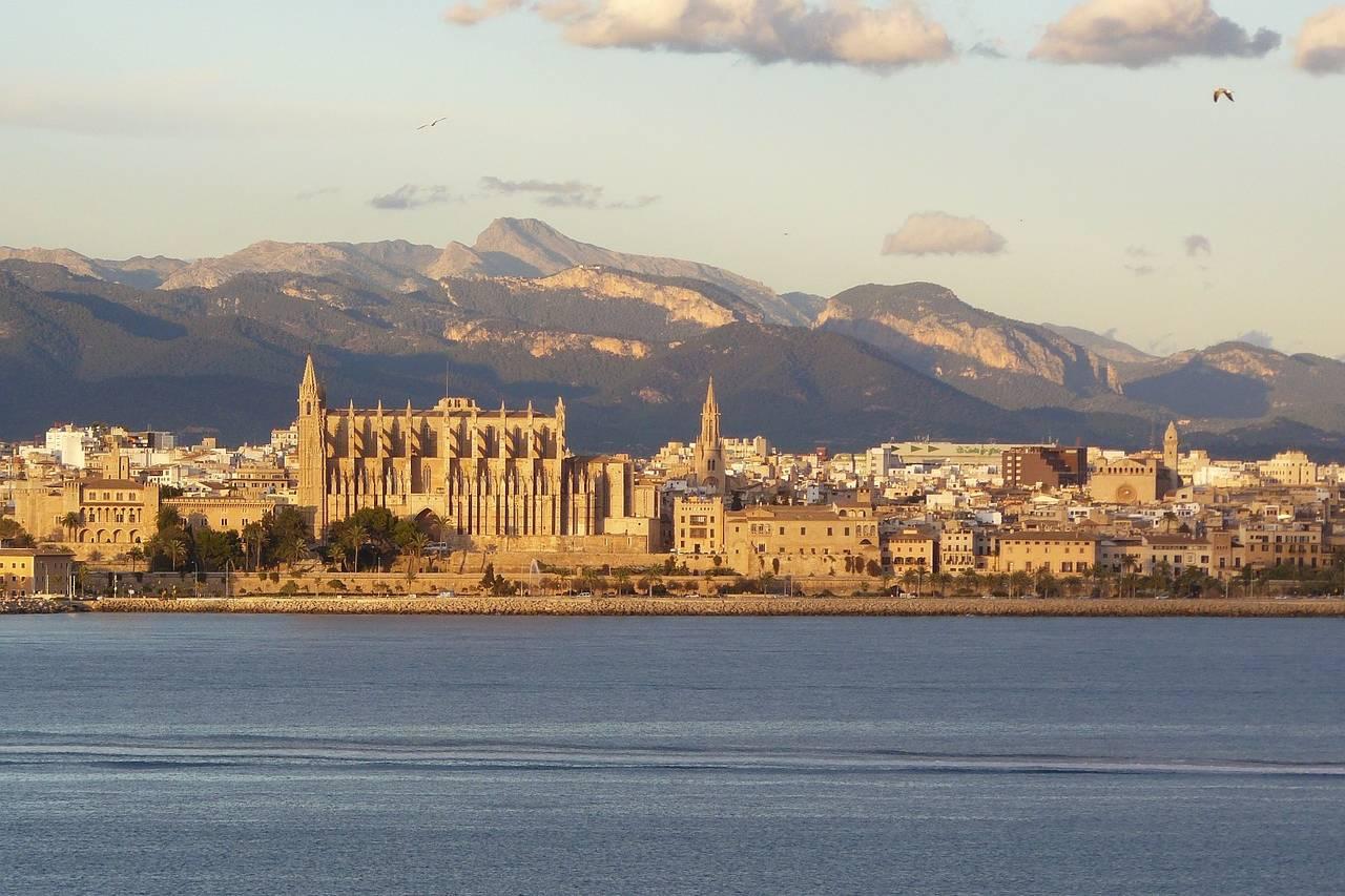 Palma de Mallorca von der Wasserseite