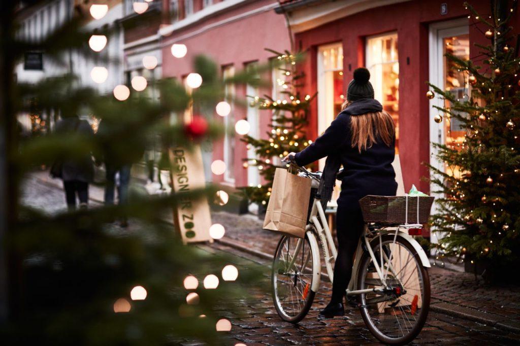 Weihnachtliche Einkaufsstraße in Aarhus