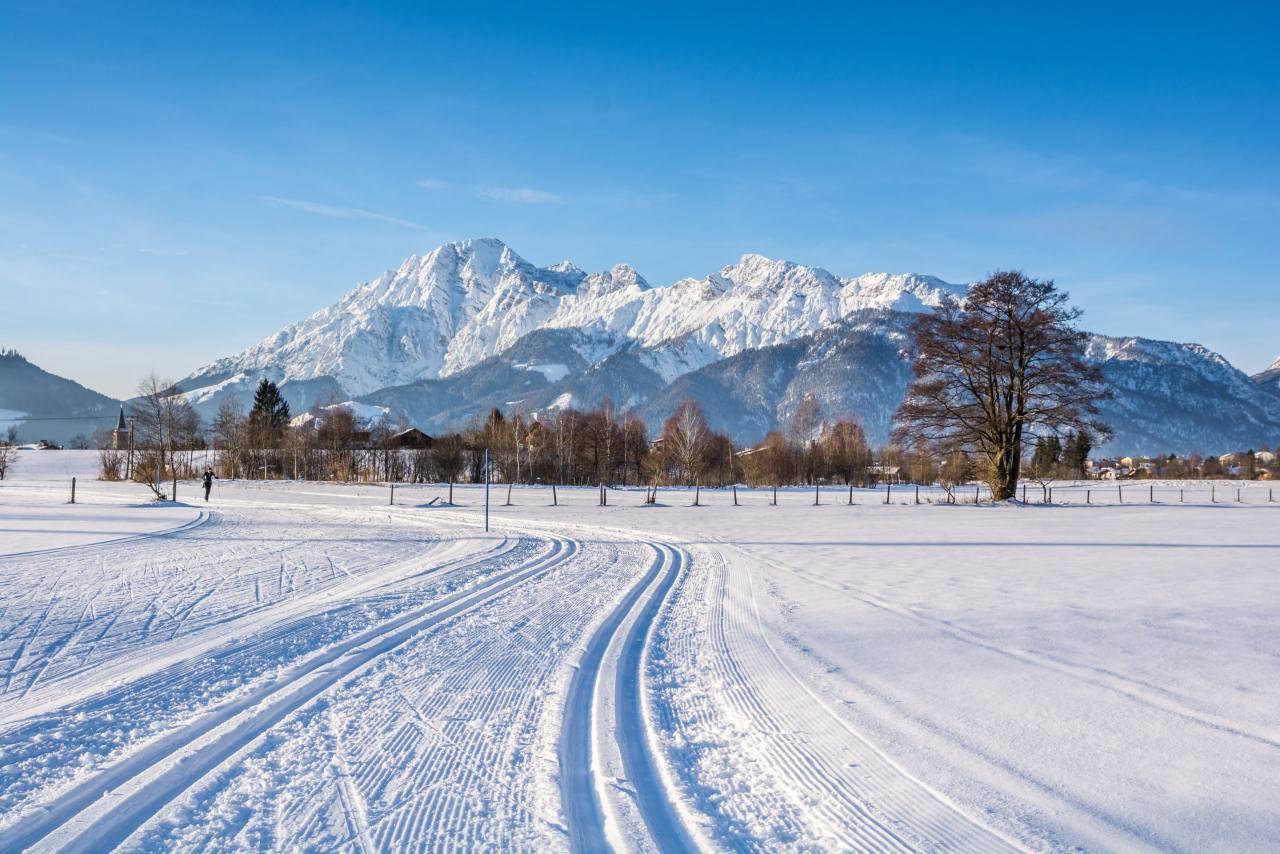 Winterlandschaft mit Langlaufloipen Saalfelden Leogang