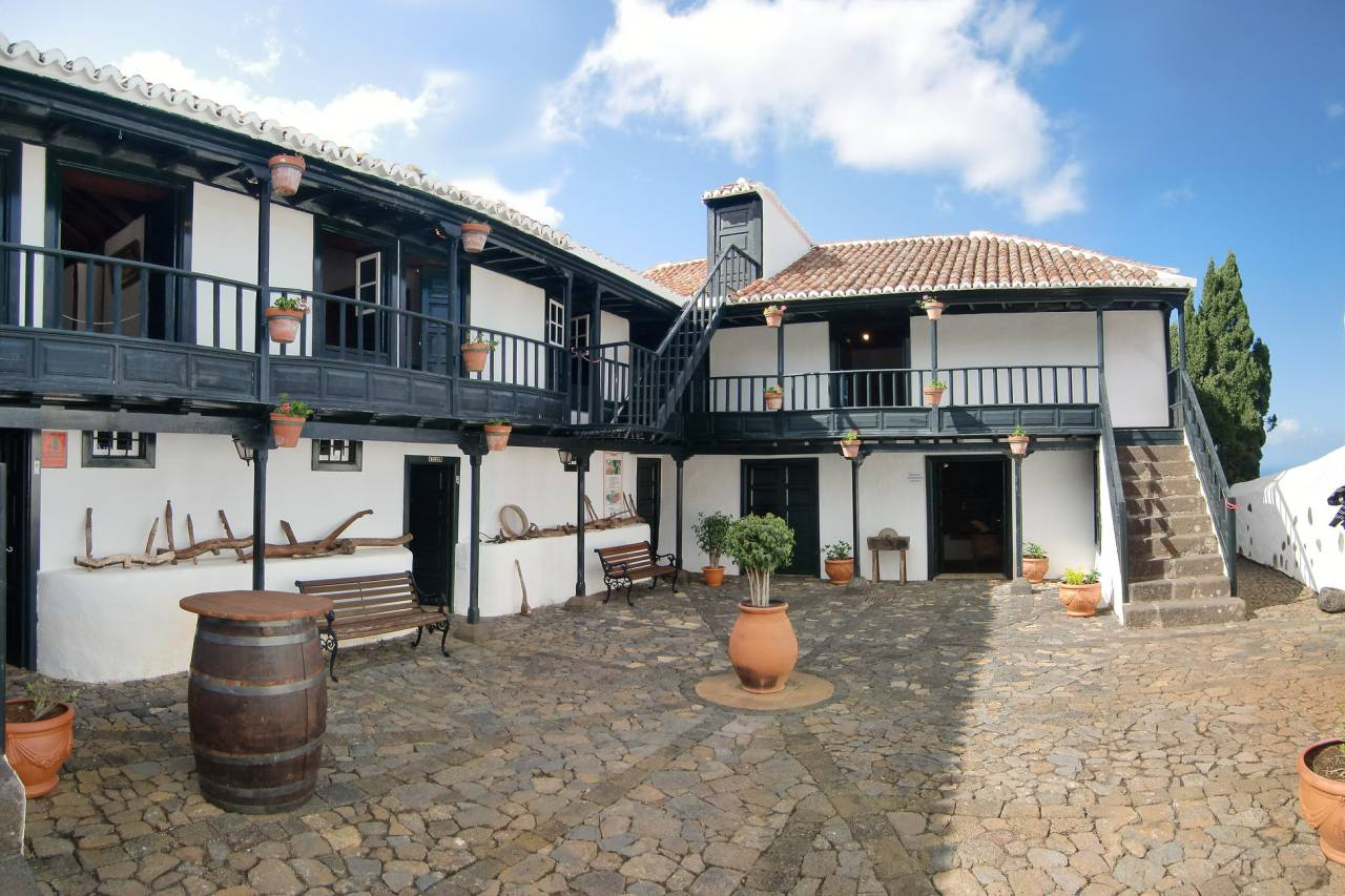 Casa Luján Museum Puntallana