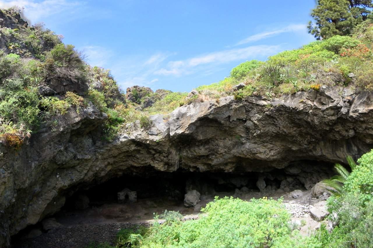 Eingang Höhle von Belmaco