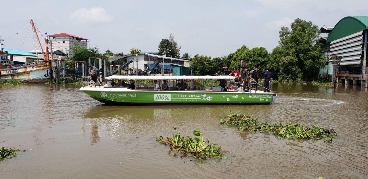 Elektrische Fähre Kanal Bangkok