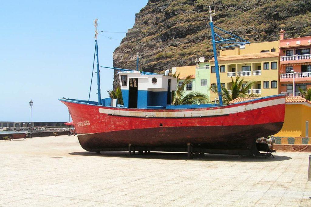 Fischerboot auf dem Trockenen in Tazacorte