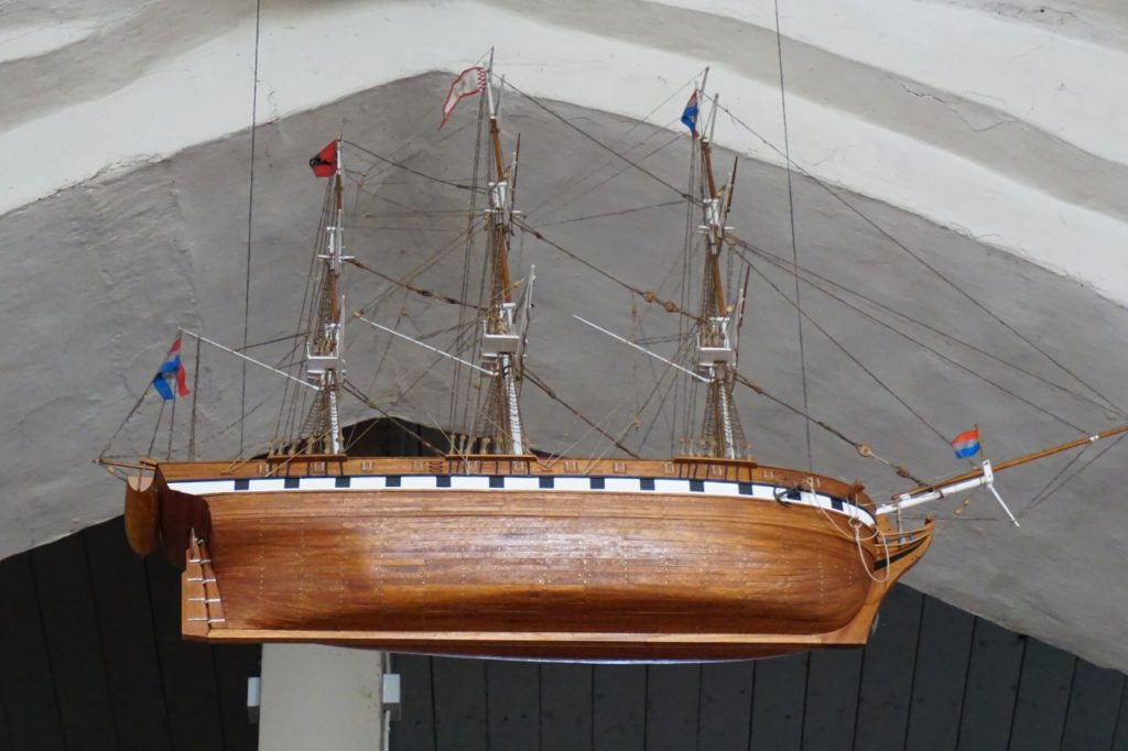 Schiff in der St. Laurentii Kirchengemeinde auf Föhr
