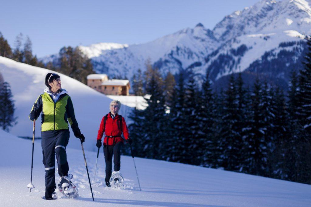 Schneeschuhwandern im Tiefschnee Tiroler Lechtal