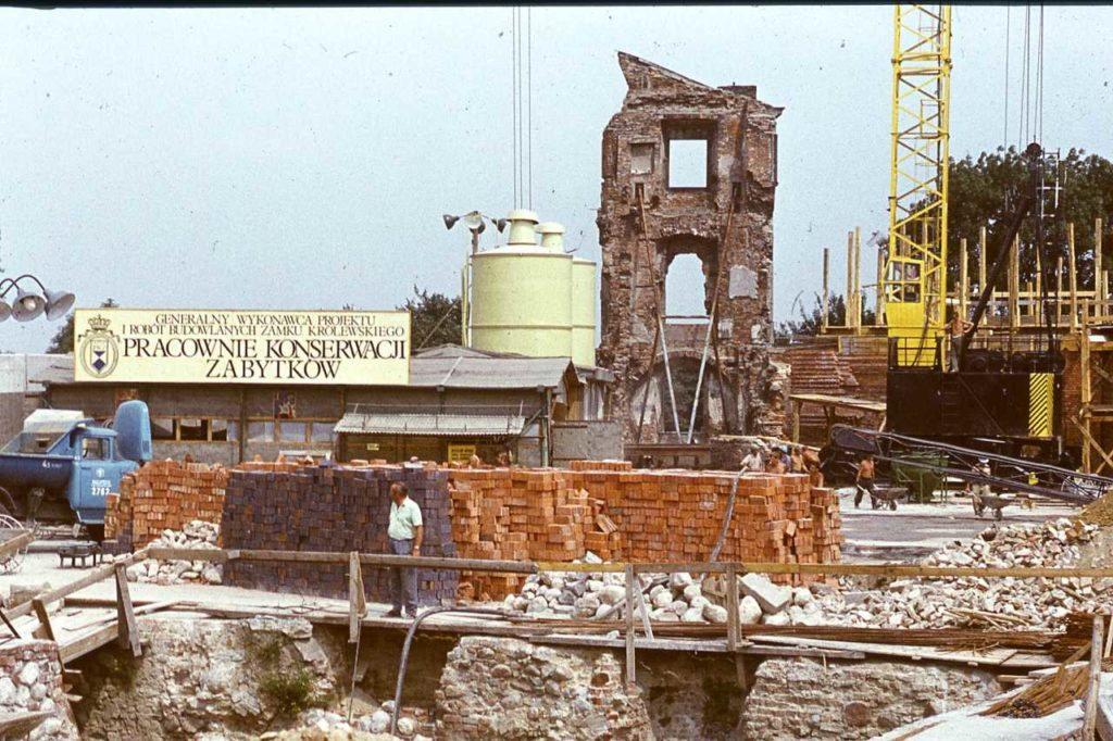 Anfänge Wiederaufbau Königsschloss Warschau 1971