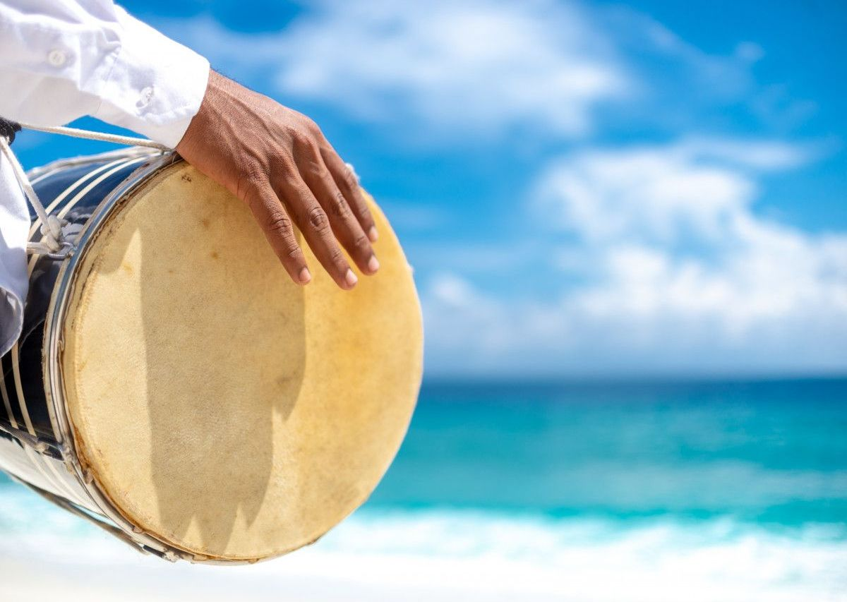 Traditionnelle Bodu Beru-Trommelmusik Malediven
