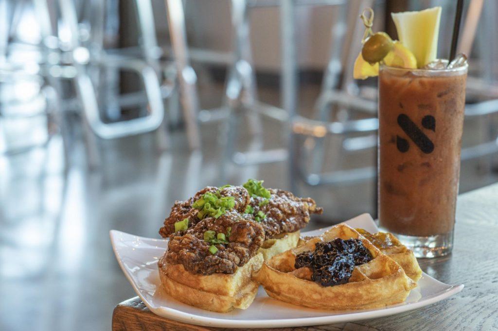 Waffelkreation The Charlie Restaurant Daybreak Kitchen & Biscuit