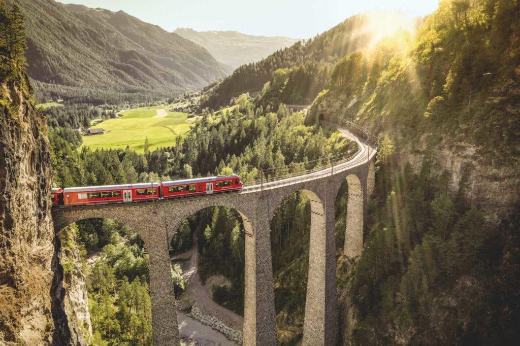 Alpine Circle Landwasserviadukt Rhaetische Bahn