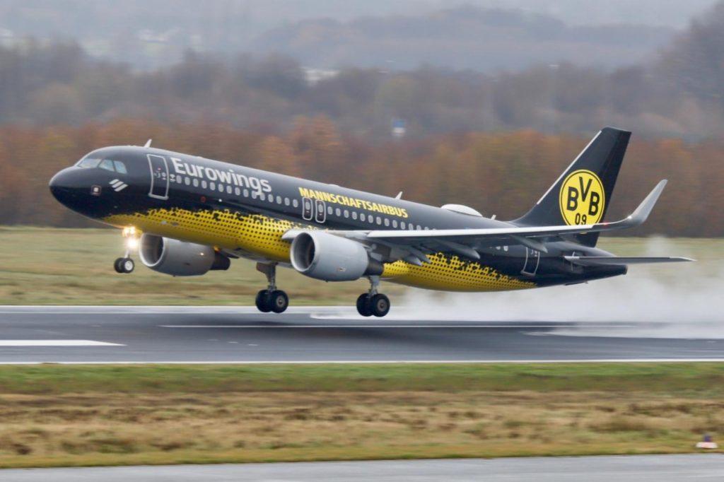 BVB Mannschafts-Airbus Flughafen Dortmund