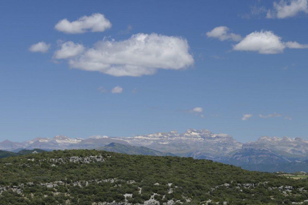 Blick auf die Pyrenäen aus der Provinz Huesca