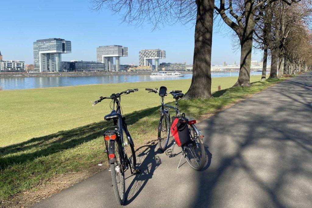 Köln Poller Wiesen und Kranhäuser