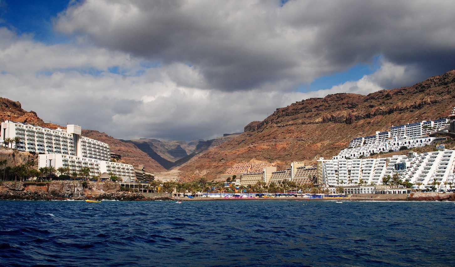 Playa Taurito von der Meerseite