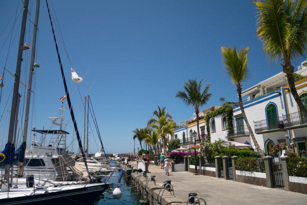 Puerto de Mogan Hafen und Promenade