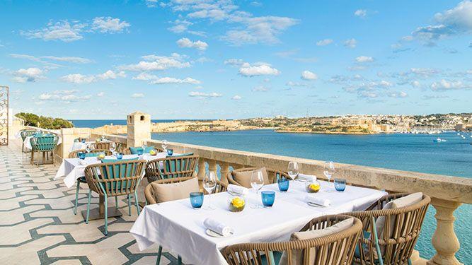 Restaurant ION The Harbour - Dachterasse mit Meerblick