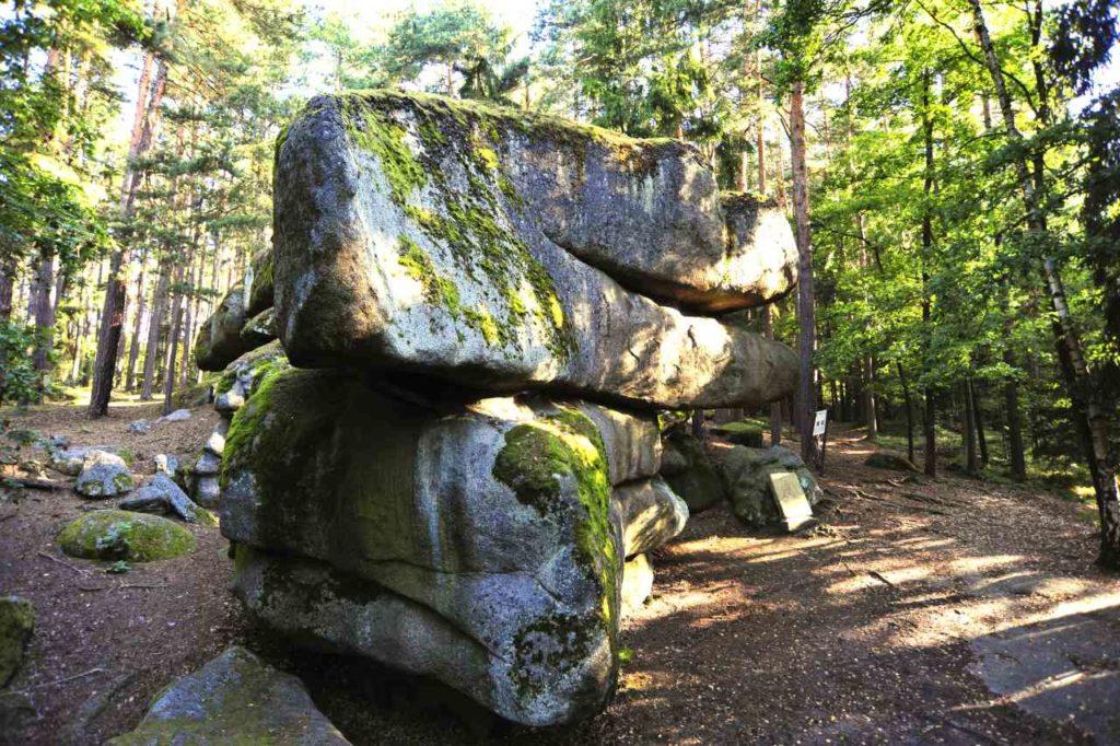 Wackelstein im Naturpark Blockheide