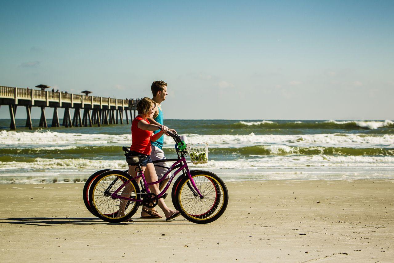 Fahrradfahrer Strand Jacksonville