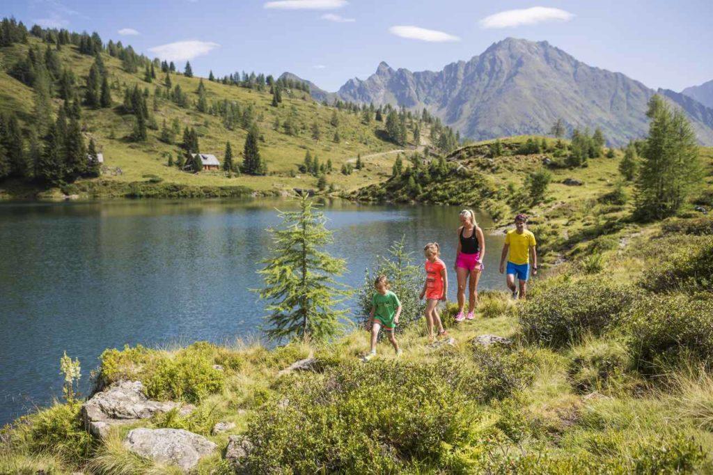 Familienwanderung am Wirpitschsee in Weißpriach