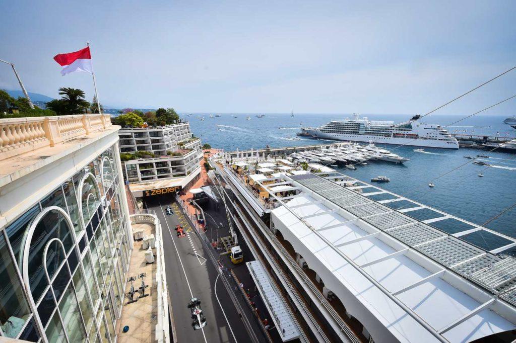 Monaco Formel 1-Rennstrecke und Hafen