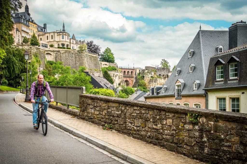 Radfahrer Chemin de la Corniche Luxemburg-Stadt
