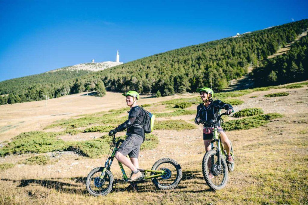 Abfahrt vom Mont-Ventoux mit dem E-Roller